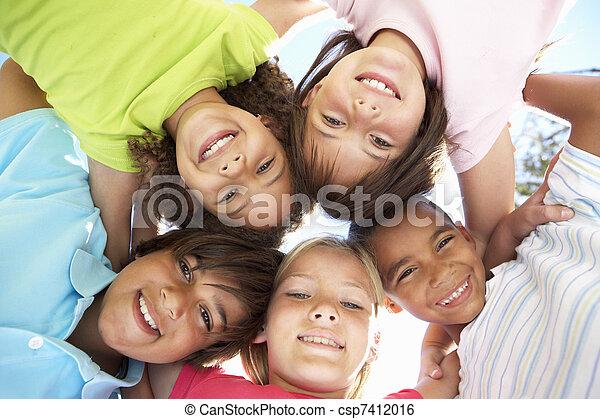 unten, schauen, fotoapperat, Gruppe, Kinder - csp7412016