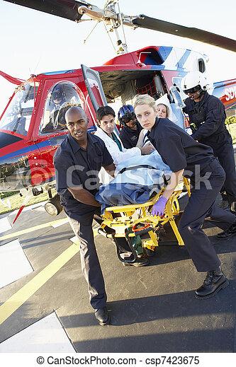 Infirmière et photo du patient