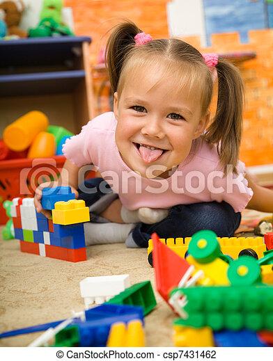 很少, 玩, 女孩, 幼儿園, 玩具 - csp7431462