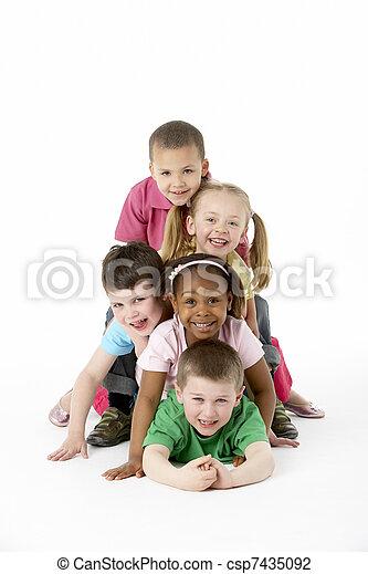 studio, gruppe, junge kinder - csp7435092