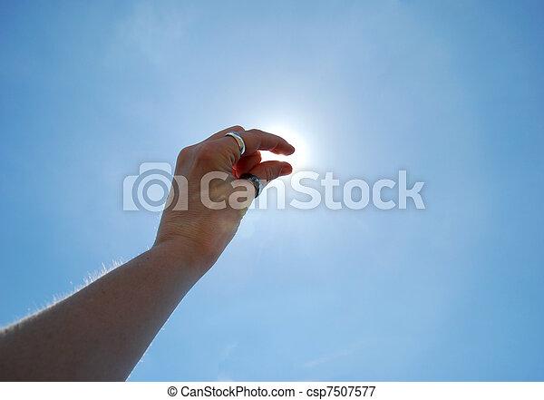 pellizco, sol - csp7507577