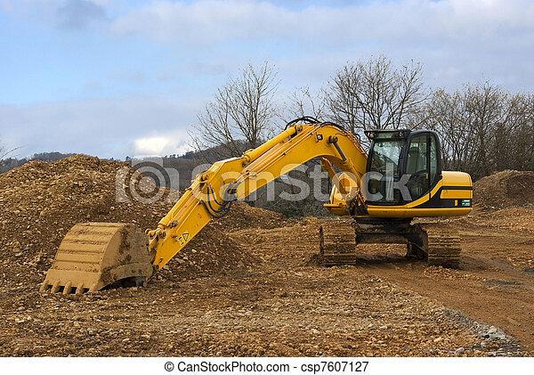 Yellow mechanical shovel - csp7607127