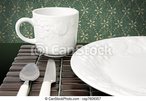 Dinner plate and cup - csp7609357