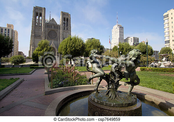 Fountain at Huntington Park by Grace Cathedral - csp7649859