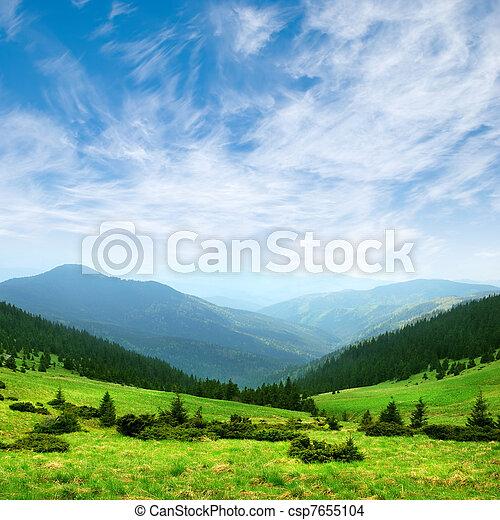 verde, montanha, vale, e, céu - csp7655104