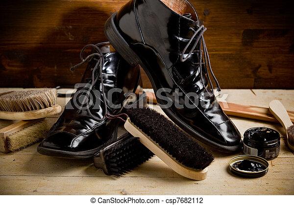 Shoe polishing tools - csp7682112