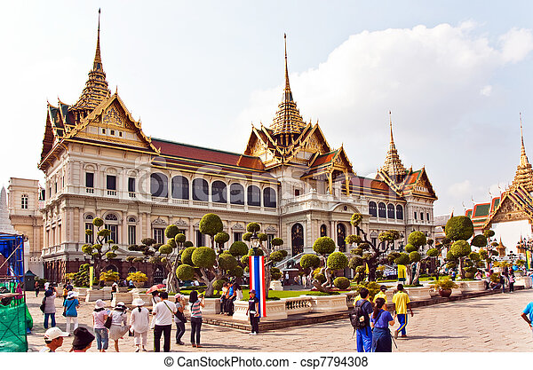 Pictures of Chakri Maha Prasat in the Great Palace in ...