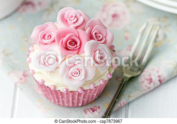Rose cupcake - csp7873967