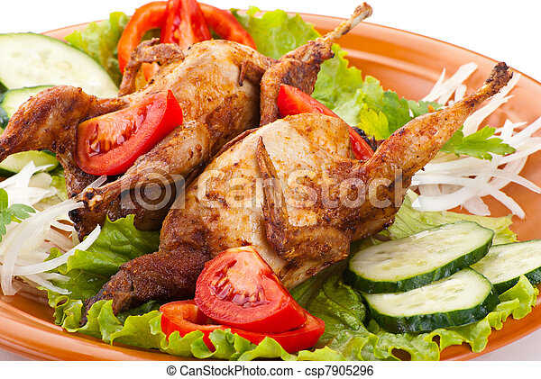 Two whole quail with cucumber, tomatoes and onion - csp7905296