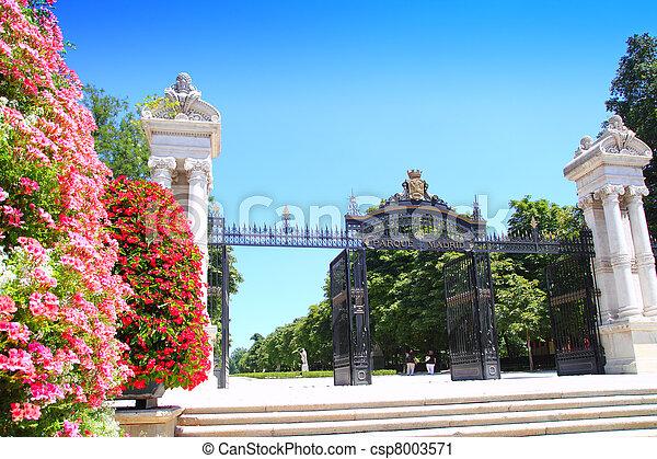 Madrid Puerta de Espana Buen Retiro Park door Madrid - csp8003571