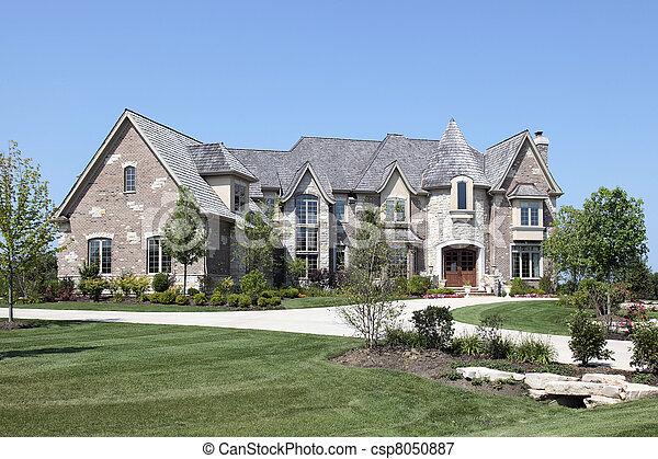 image de luxe maison pierre tourelle grand luxe brique csp8050887 recherchez des. Black Bedroom Furniture Sets. Home Design Ideas