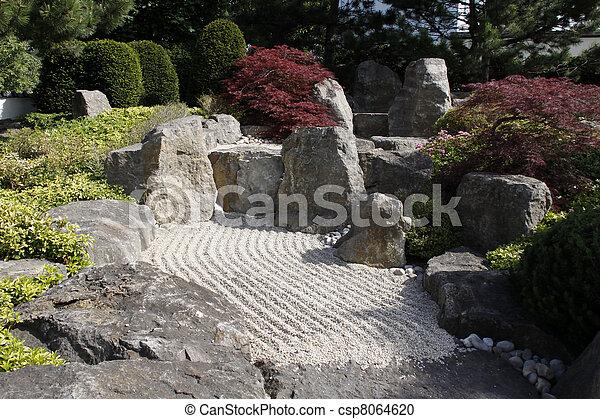 Trädgård Grus : Stock fotografi av banor grus synhåll trädgård japansk