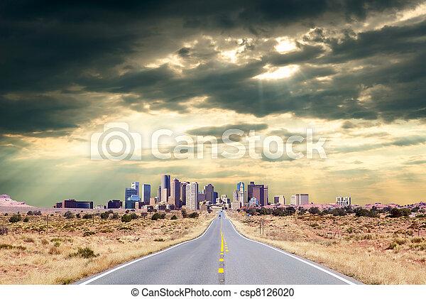 Highway to metropolis - csp8126020