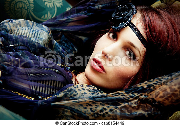 Retrato, moda - csp8154449