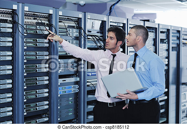 it engineers in network server room - csp8185112