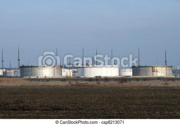 Storage tanks of petroleum products - csp8213071
