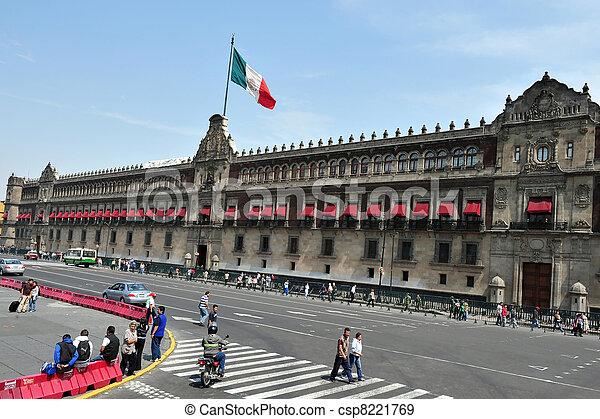 Zocolo in Mexico City - csp8221769