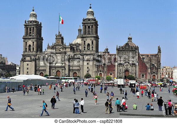 Zocolo in Mexico City - csp8221808