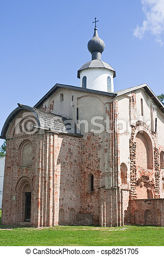Church Paraskevy Friday at the auction. Novgorod the Great. Russ - csp8251705