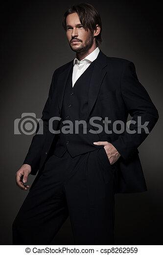 Llevando, guapo, hombre, Traje - csp8262959