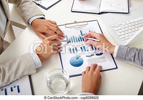 Economics study - csp8298922