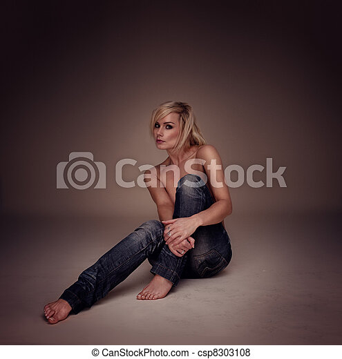 Sexy Casual Blonde Woman - csp8303108