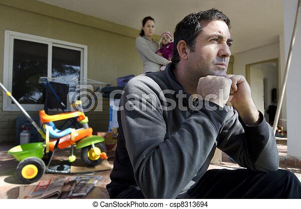 Family Problems - homeless - csp8313694