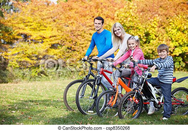 Outono, passeio, bicicleta - csp8350268