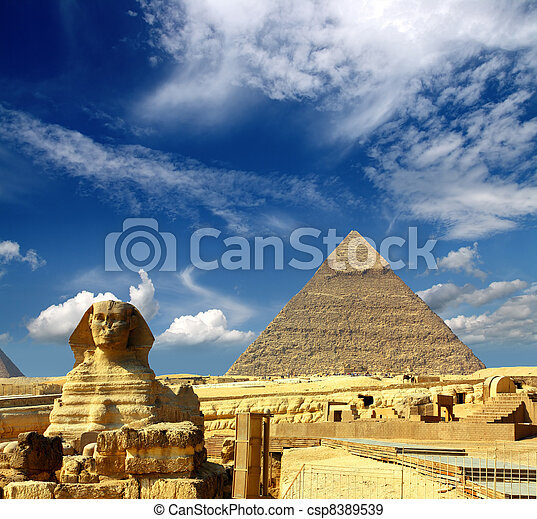 egypt Cheops pyramid and sphinx - csp8389539