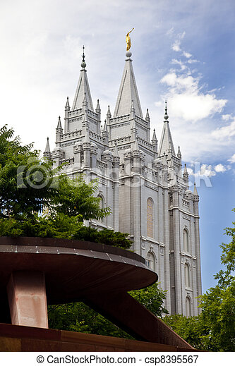 Famous Mormon Temple in Salt Lake C - csp8395567