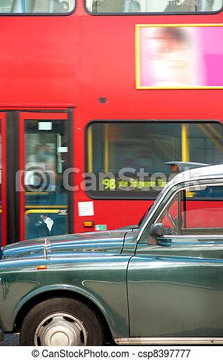 image de decker autobus londres taxi double traditionnel csp8397777 recherchez des. Black Bedroom Furniture Sets. Home Design Ideas