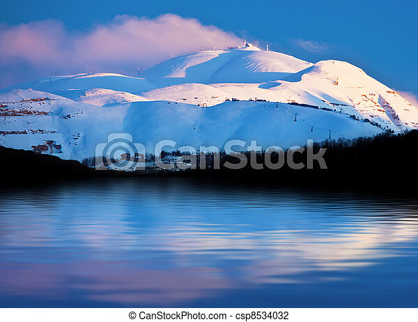 Winter mountains and lake snowy landscape - csp8534032