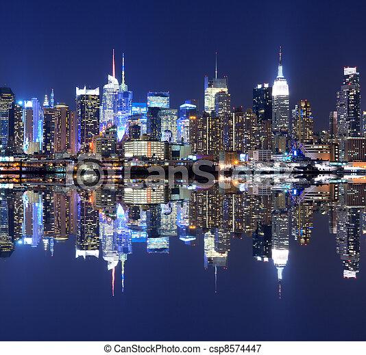 Manhattan Skyline - csp8574447