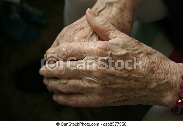 idoso, mãos - csp8577356