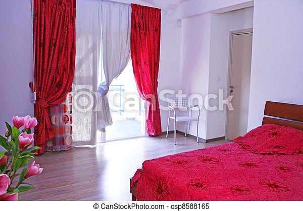 images de chambre coucher rose rideaux dessus de lit et csp8588165 recherchez des. Black Bedroom Furniture Sets. Home Design Ideas