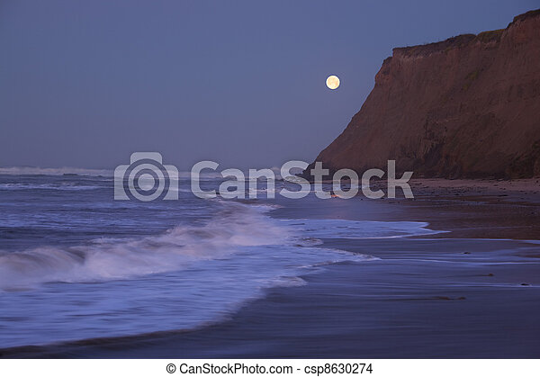Moonset at Half Moon Bay - csp8630274