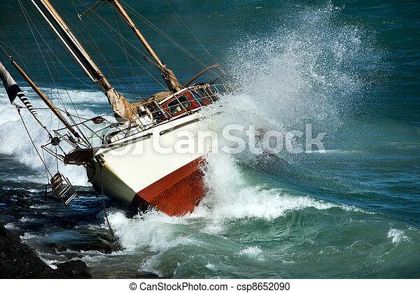 yacht crash on the rocks - csp8652090