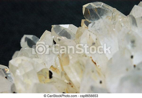 Clear quartz crystals - csp8656653
