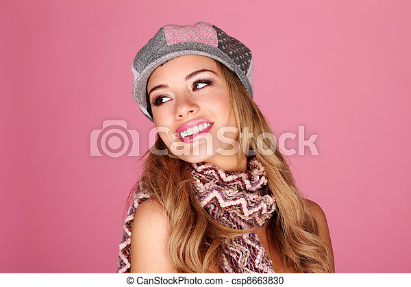 Fashion Model In Winter Accessories - csp8663830