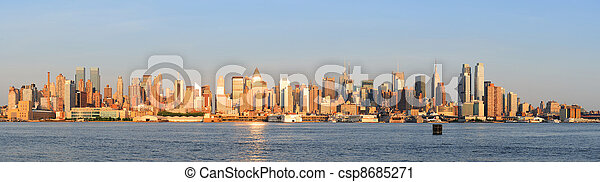 New York City Manhattan sunset - csp8685271