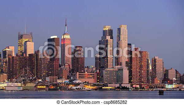 New York City Manhattan sunset panorama - csp8685282
