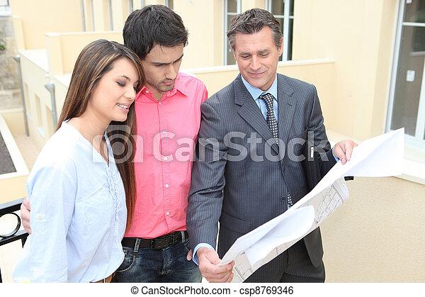 Seller housing - csp8769346