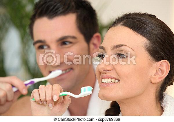刷, 他們, 夫婦, 牙齒 - csp8769369