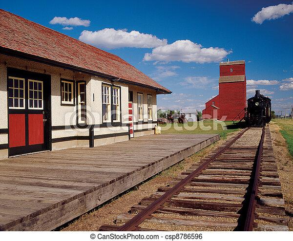 Train and Grain Elevator - csp8786596