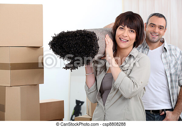 Couple moving out. - csp8808288