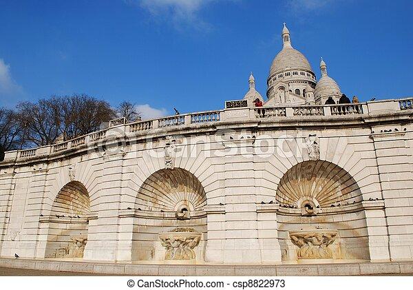 Sacre Coeur, Montmartre, Paris - csp8822973