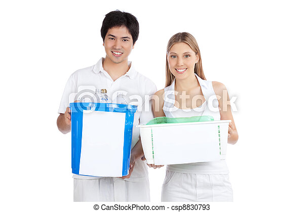 Young Couple  Holding Recycle Bin - csp8830793