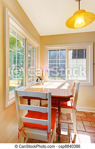 Stock beeld van het dineren kamer ontbijt gebied kleine keuken cozy csp8840386 zoek - Keuken voor klein gebied ...