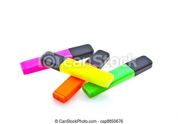 Highlighter marker pens, isolated on white. - csp8850676