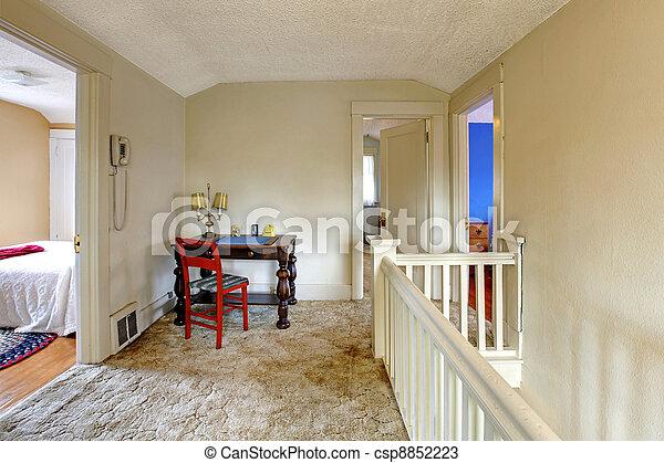 Photos de couloir vieux bureau maison charmer anglaise maison csp8852223 recherchez for Interieur maison anglaise